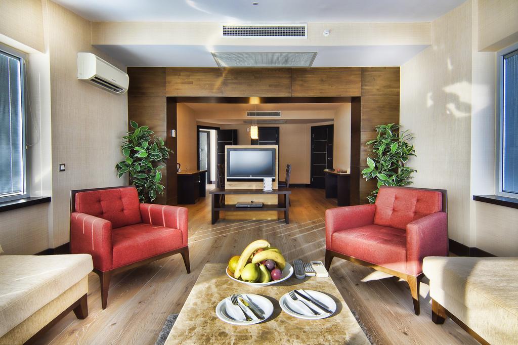 Limak Lara De Luxe Hotel & Resort Туреччина ціни