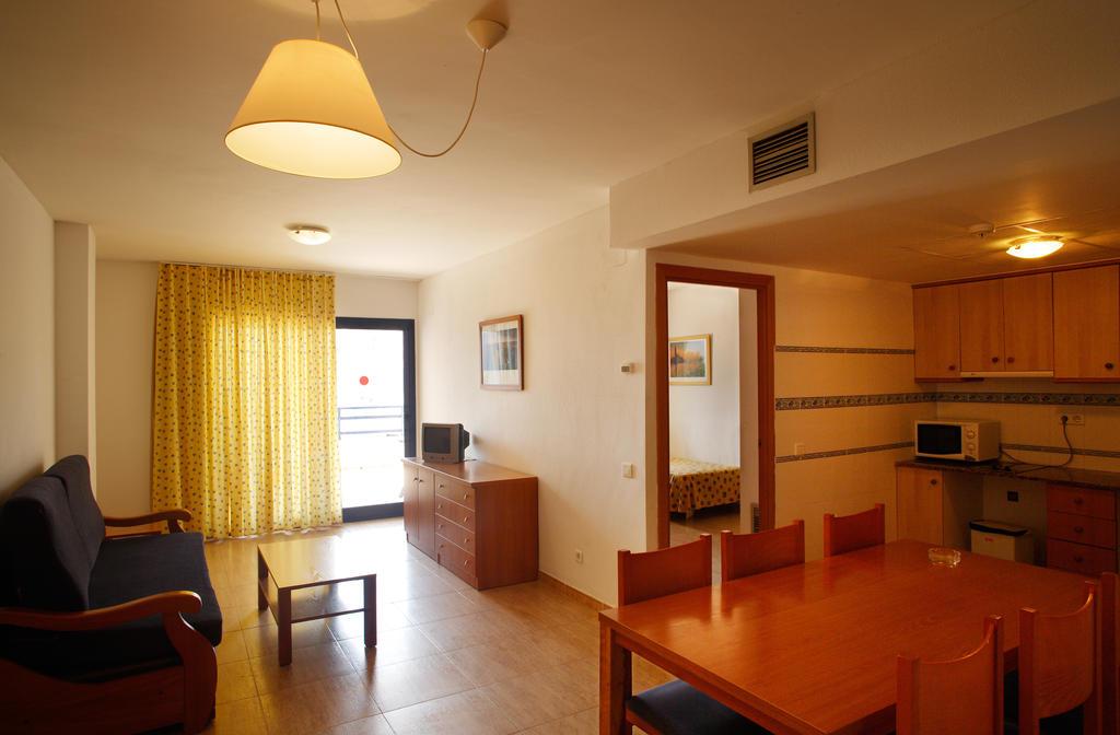Pins Platja Apartamentos, Коста-Дорада