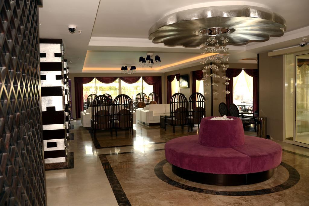 Відпочинок в готелі Holiday City Hotel