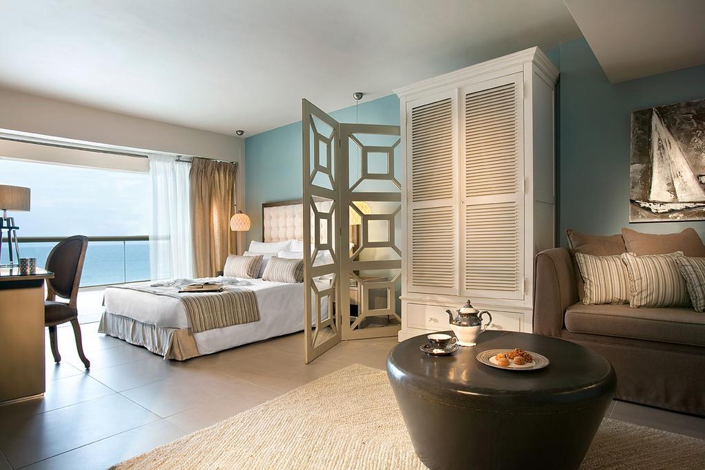 Фото готелю Sani Beach