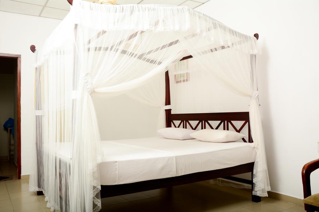 Отдых в отеле Ykd Tourist Rest Хиккадува Шри-Ланка