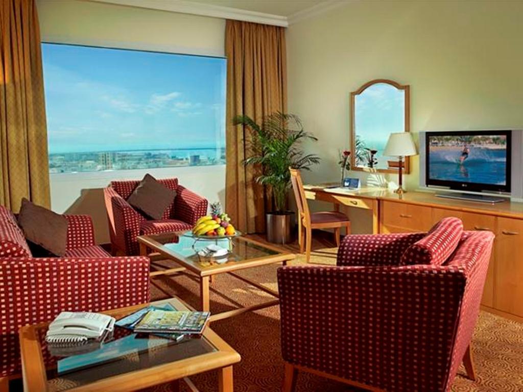 Swiss Belhotel Sharjah (Ex. Sharjah Rotana), ОАЭ, Шарджа, туры, фото и отзывы