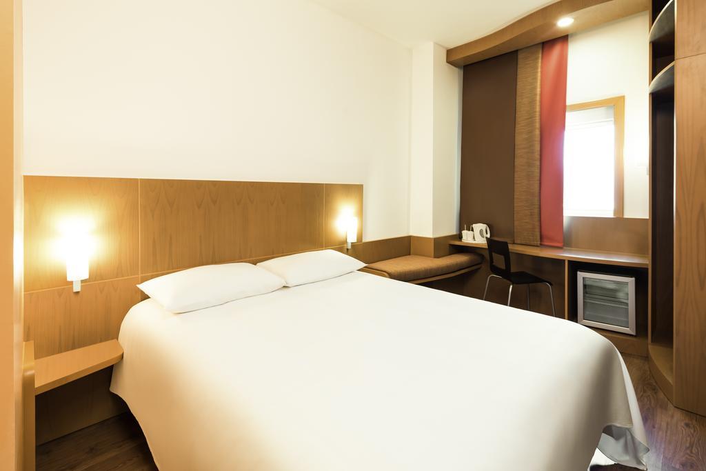 Цены в отеле Ibis Hotel Fujairah
