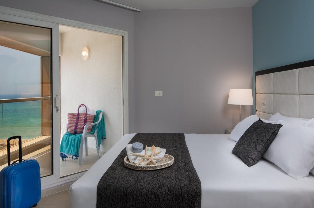Цены в отеле Leonardo Suite Tel Aviv-Bat Yam
