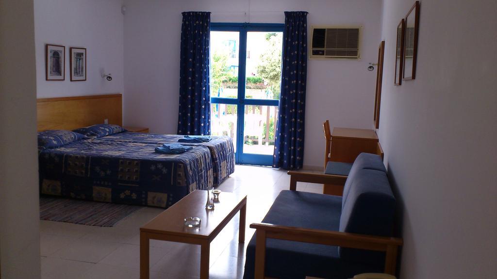 Bomo Club Hylatio Tourist Village, Кипр