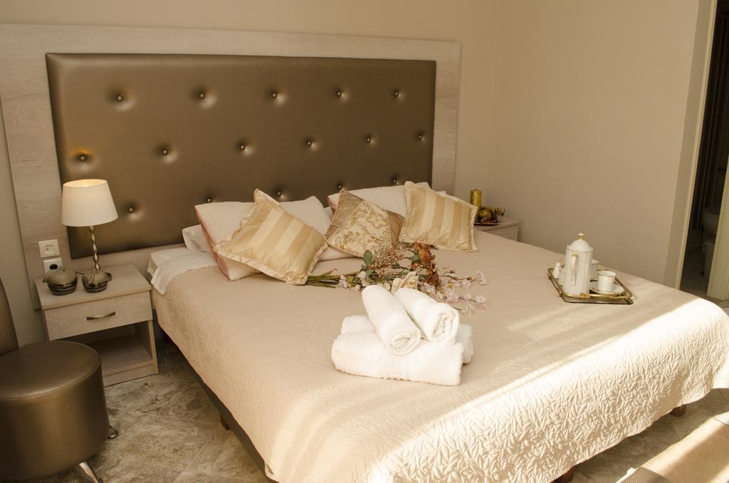 Фото готелю Atlantis Hotel