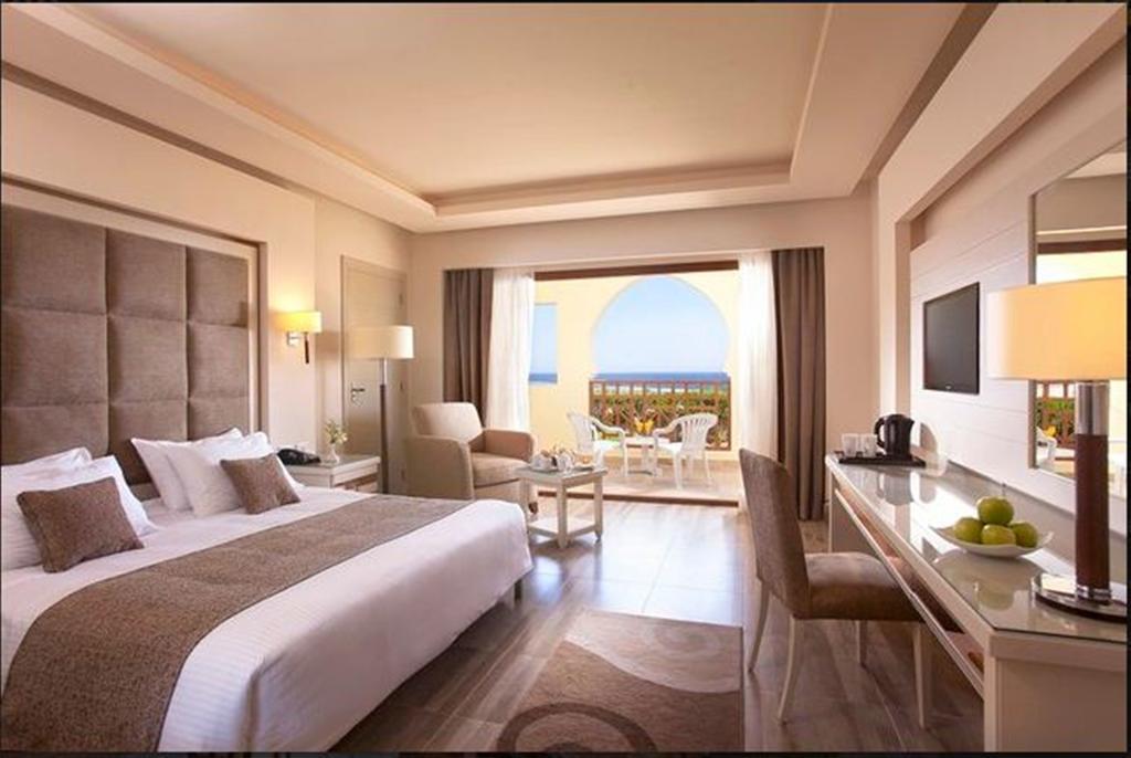 Горящие туры в отель Charmillion Club Resort (ex. Sea Club )
