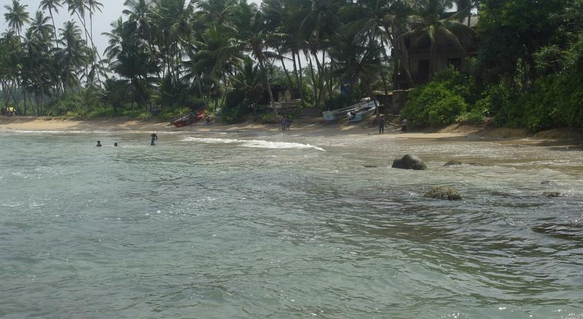 Coral Sands, 3