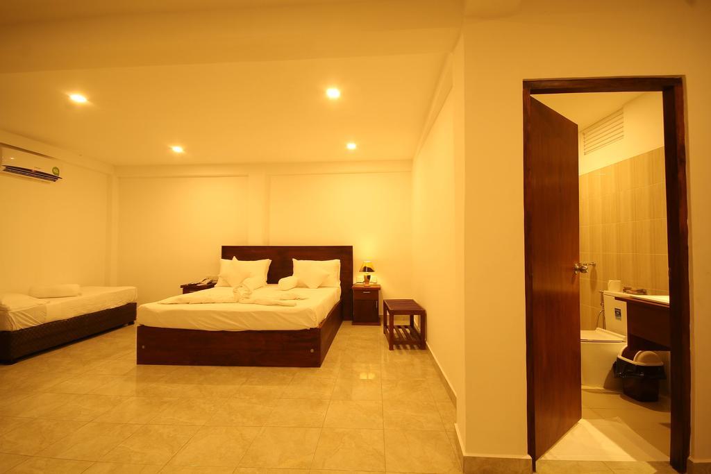 Отдых в отеле Rock Fort Beach Resort Унаватуна Шри-Ланка