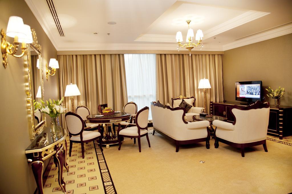 Grand Excelsior Hotel, Дубай (місто), ОАЕ, фотографії турів