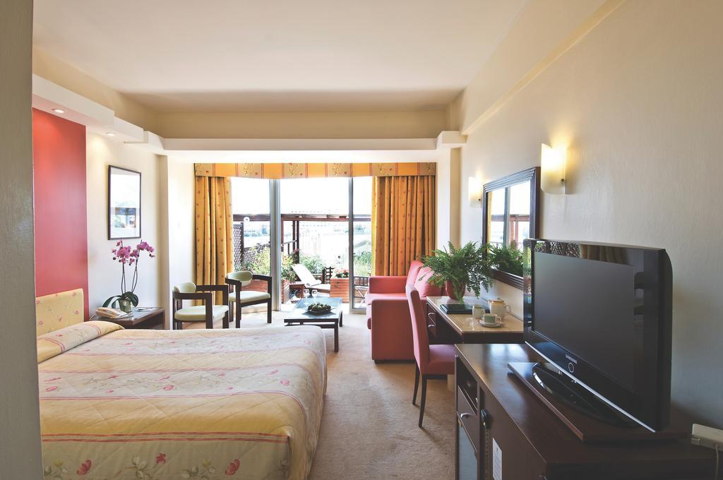Lordos Beach Hotel, Ларнака