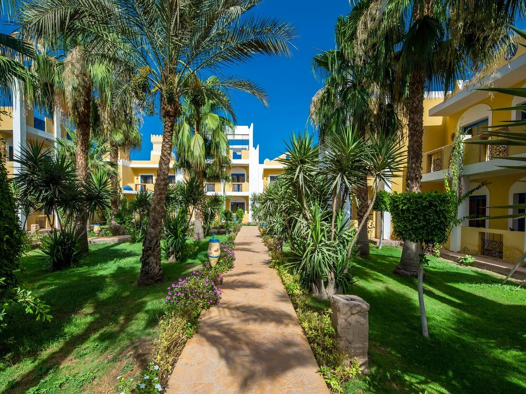 Відпочинок в готелі Mirage Bay Resort & Aquapark (ex. Lillyland Aqua Park)