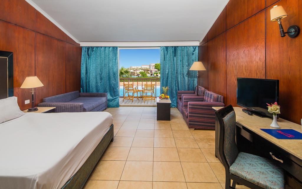 Отзывы гостей отеля Hawaii Caesar Palace Hotel & Aquapark (Ex. Mirage Aquapark)