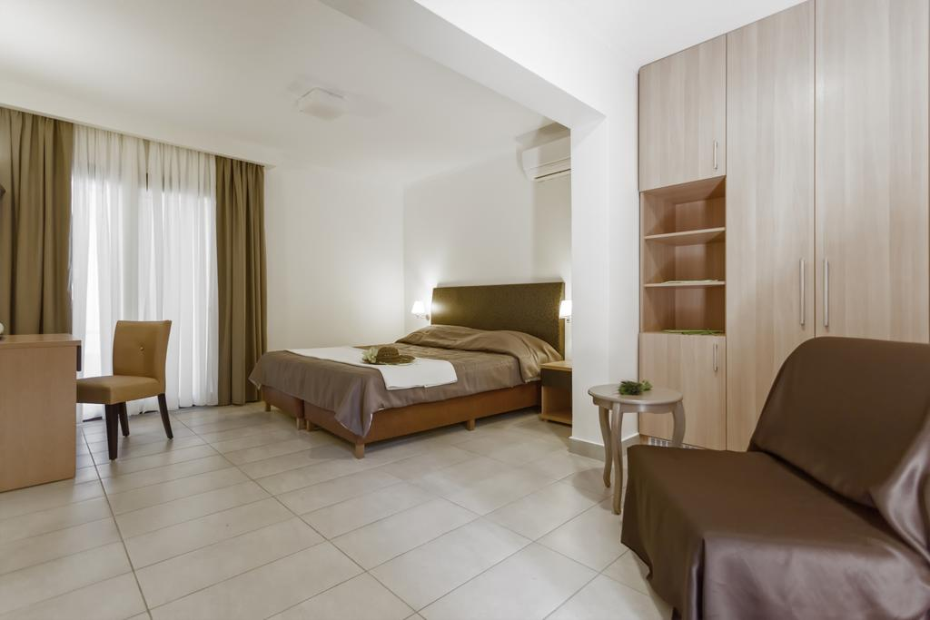 Гарячі тури в готель Lagomandra Beach Hotel