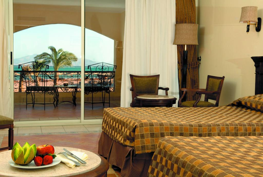 Ціни в готелі Regency Plaza Aqua Park & Spa Resort