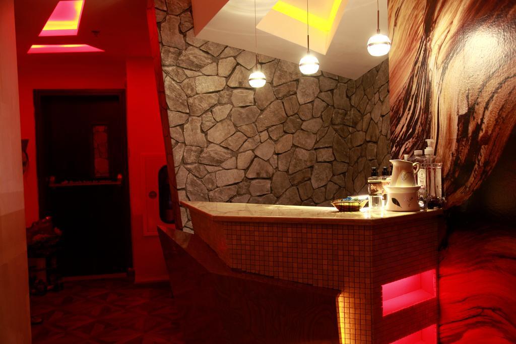 Цены в отеле Orchid Hotel