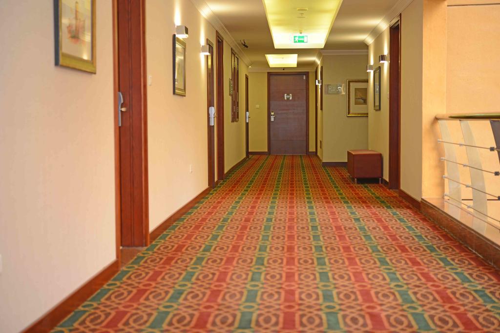 Donatello Hotel Dubai, Дубай (город)