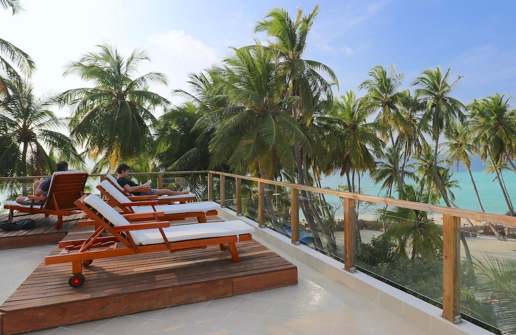 Горящие туры в отель Kaani Beach Hotel Каафу Атолл