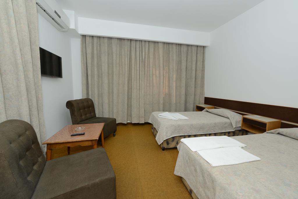 Горящие туры в отель Rivoli