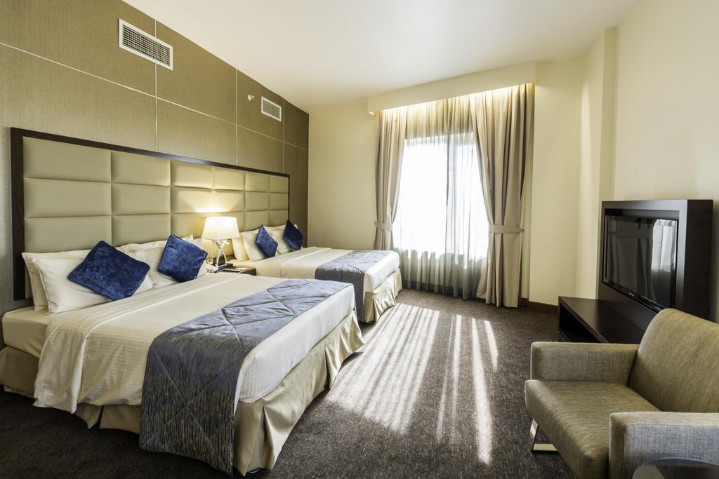 Горящие туры в отель Howard Johnson Hotel Bur Dubai