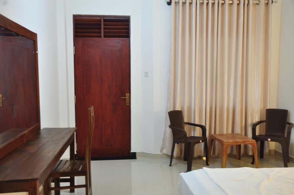 Горящие туры в отель Ritz Gate Kalutara Калутара Шри-Ланка