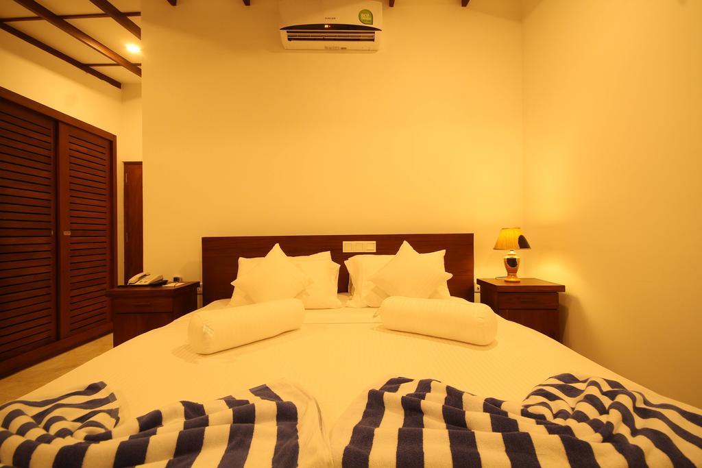 Rock Fort Beach Resort, Унаватуна, Шри-Ланка, фотографии туров
