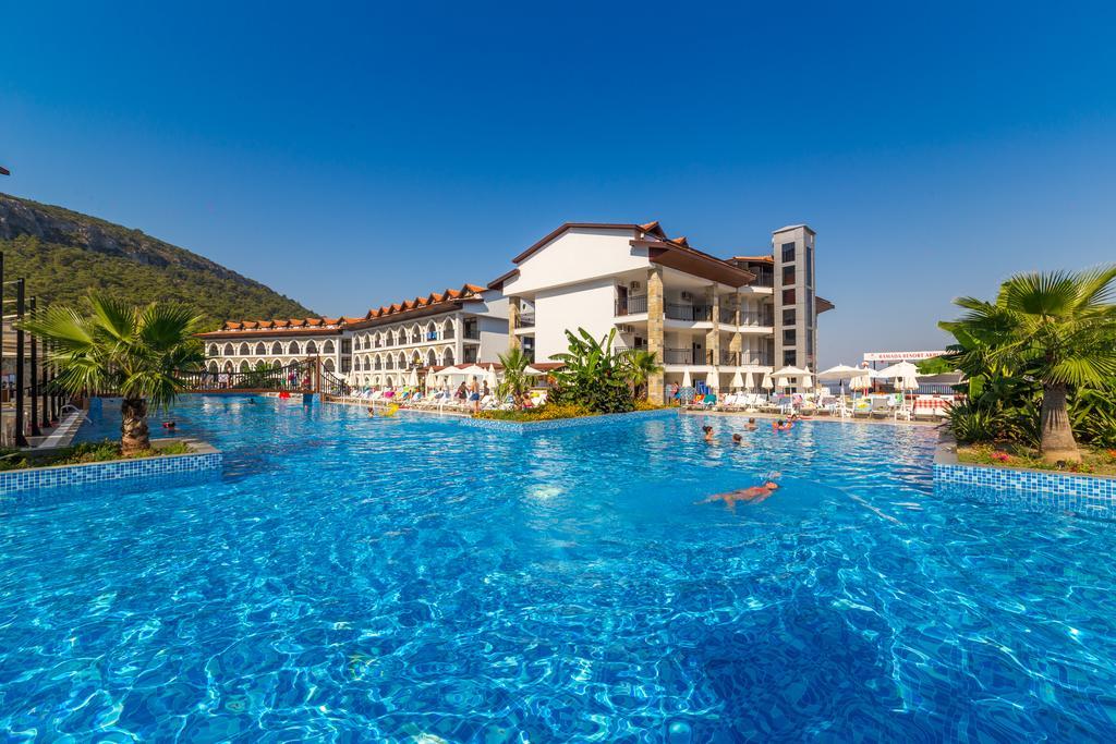 Ramada Resort Akbuk ціна
