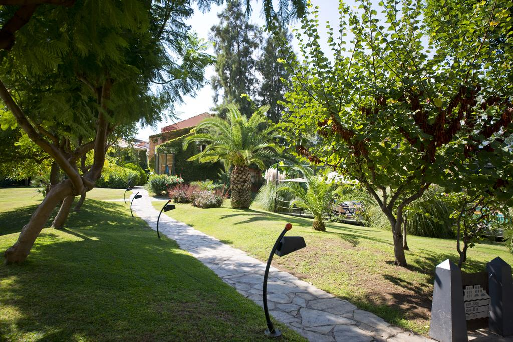 Відпочинок в готелі Limak Limra Hotel & Resort Кемер Туреччина