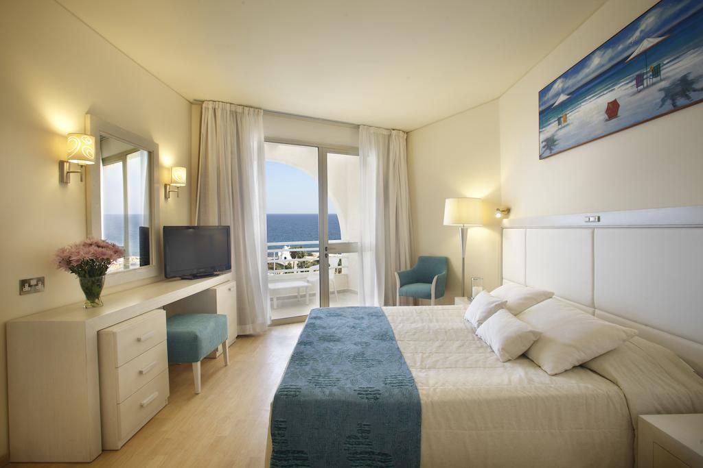 Отзывы туристов Golden Coast Beach Hotel