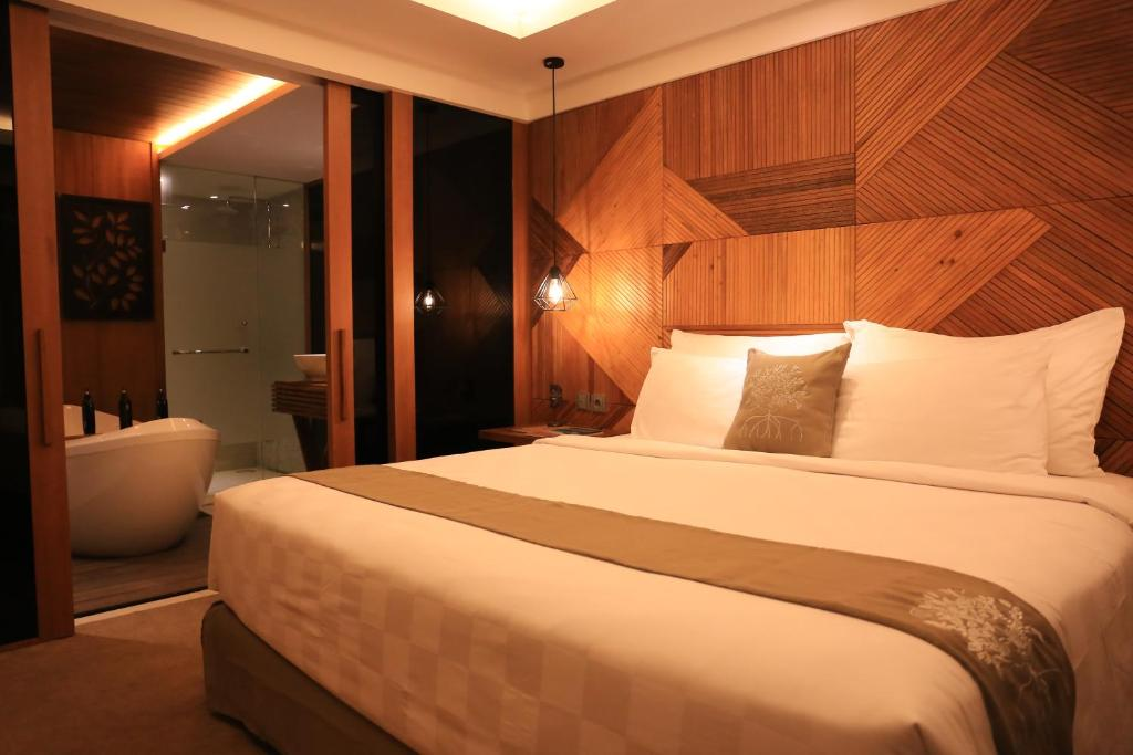 The Crystal Luxury Bay Resort, Нуса-Дуа