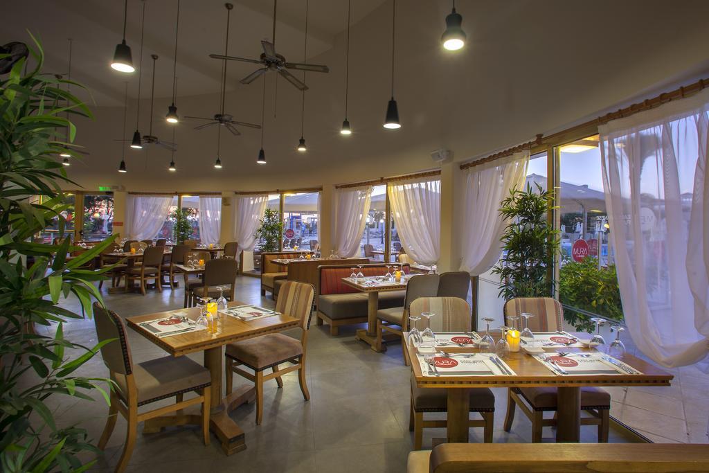 Фото отеля Louis Imperial Beach Hotel