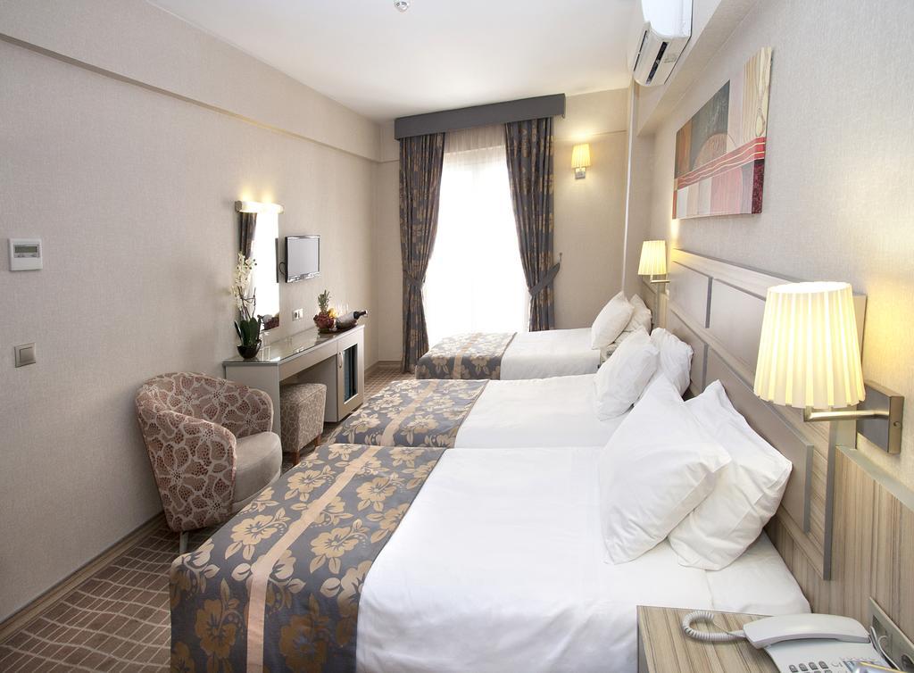 Nanda Hotel, фотографии